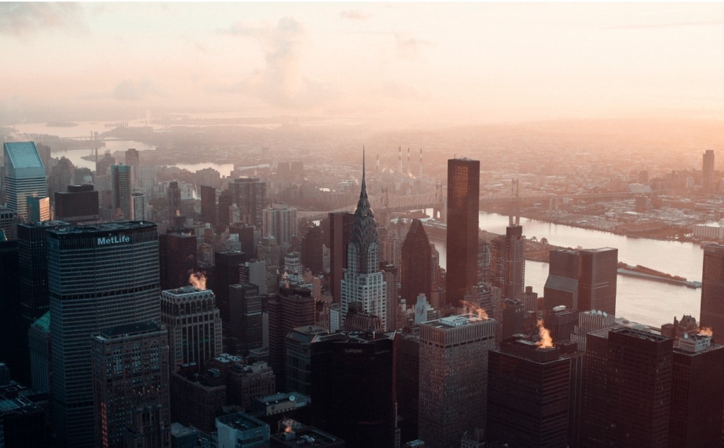 New Yorkin kaupunkikuva, paljon pilvenpiirtäjiä