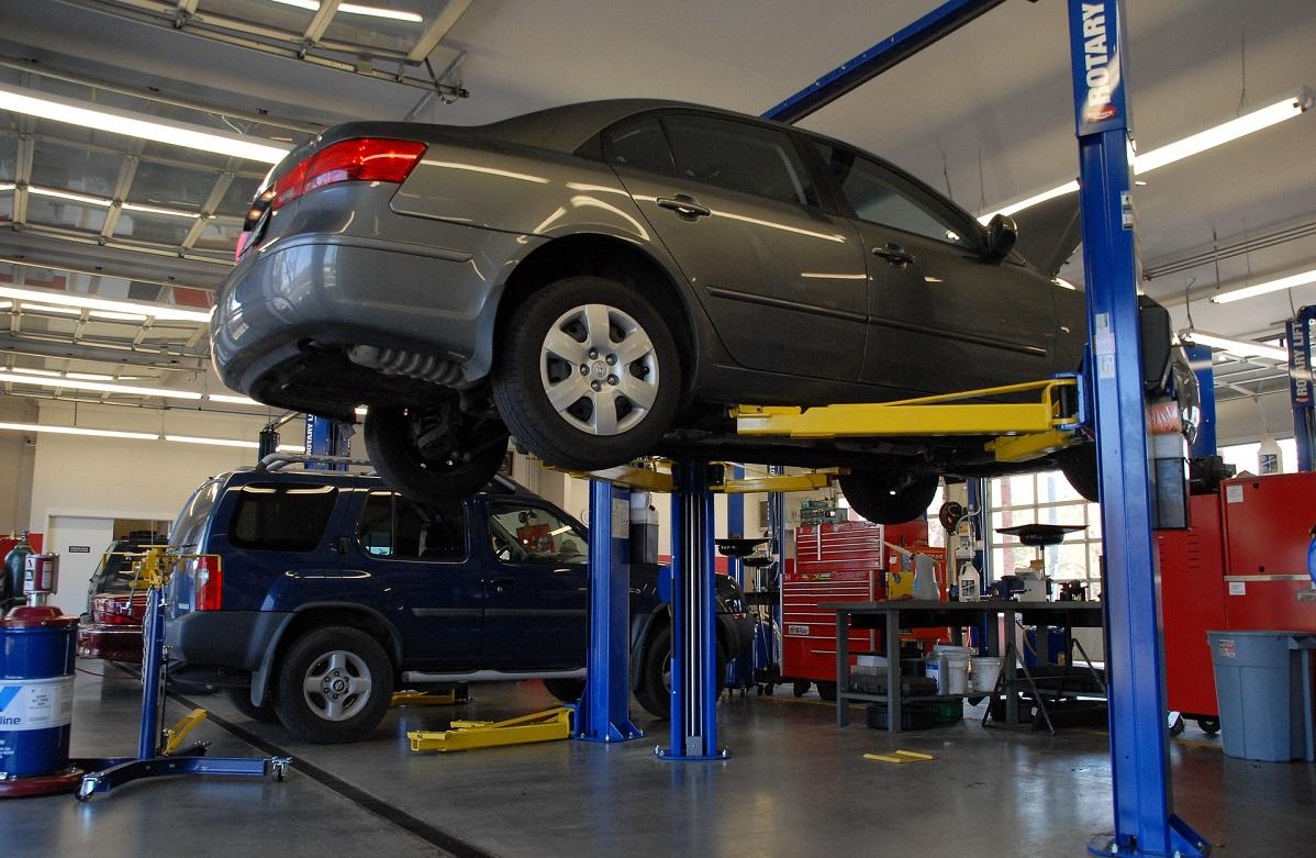 Mikkeliläisen Autohuolto Pöntisen yrittäjä sai uutta potkua suunnitelmiinsa ulkopuolisen asiantuntijan avulla